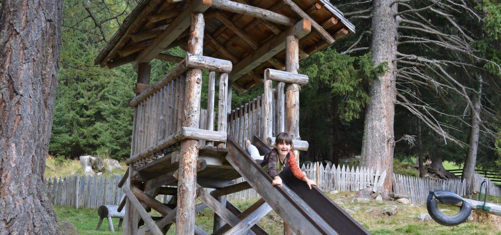 Splendido punto panoramico con mini zoo e campo giochi